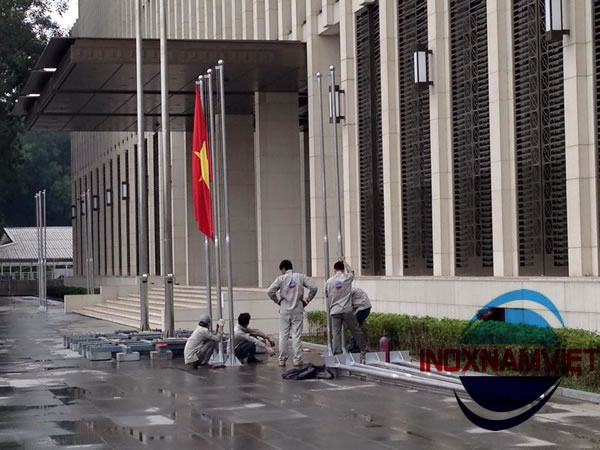 Cột cờ Inox Tòa Nhà Quốc Hội